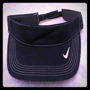 Nike visor golf Visor. One size fits all. Blue